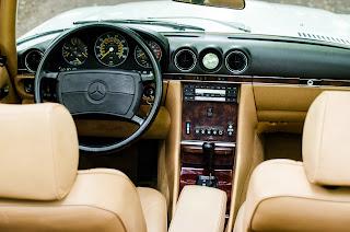31 Mercedes-Benz 560SL R107 1988