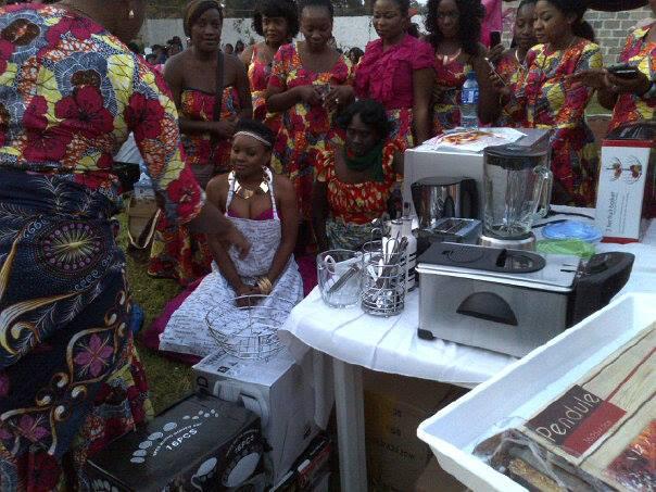 Zambian chitenge outfits for kitchen parties for Kitchen designs zambia