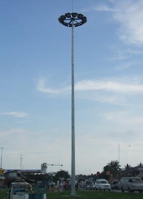 Cung cấp cột đèn cao áp lắp đặt cho những khu nơi công cộng