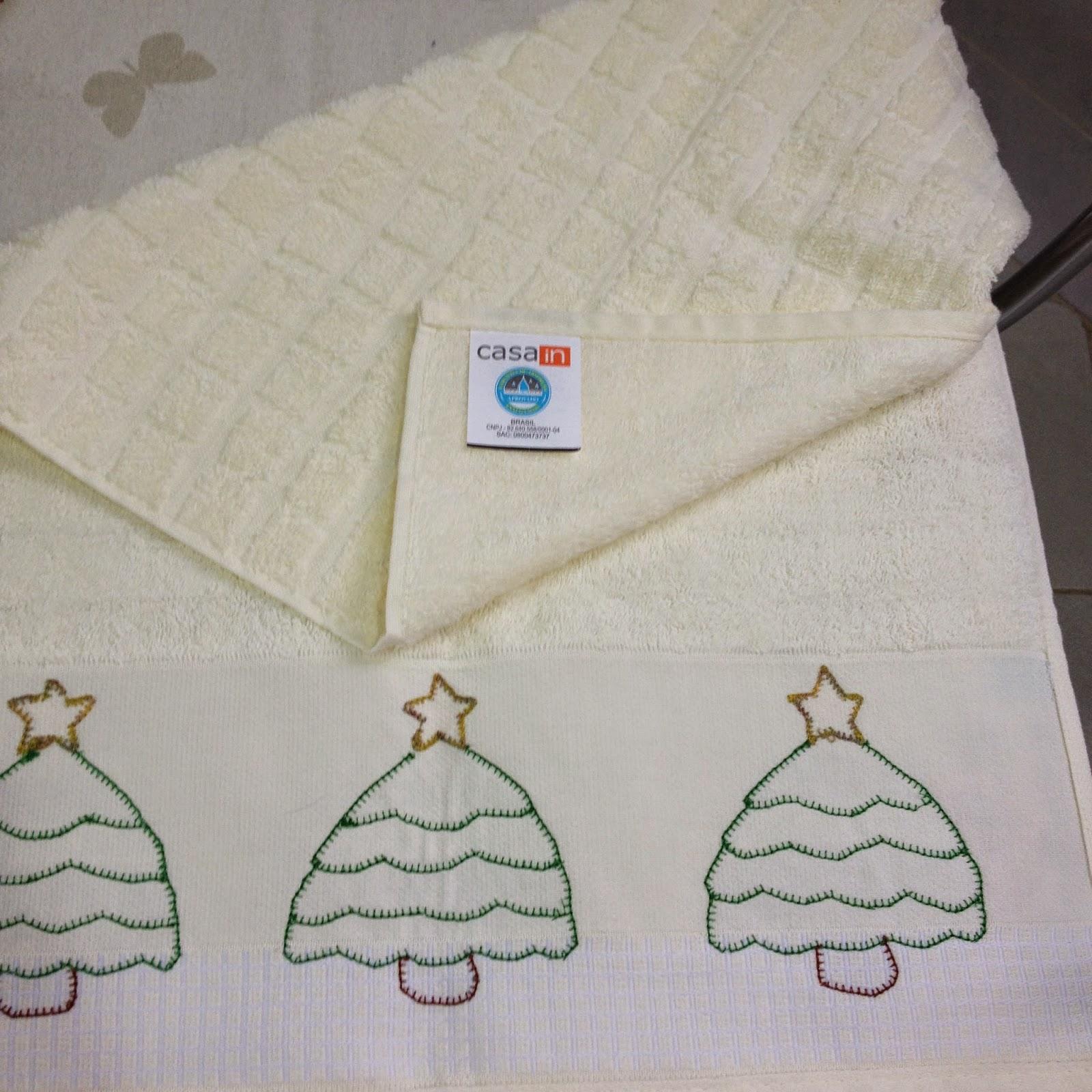 Pano de Copa com bordado de Árvore de Natal by Ateliê Madrica