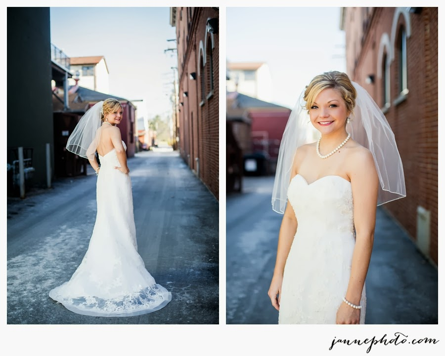Casablanca-Wedding-Dress-Photo