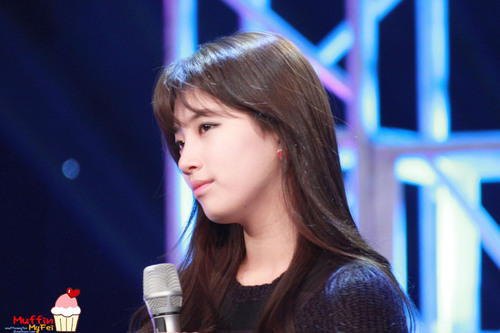 BAE SUZY MISS A PICTURE on Tonight 80's Talkshow