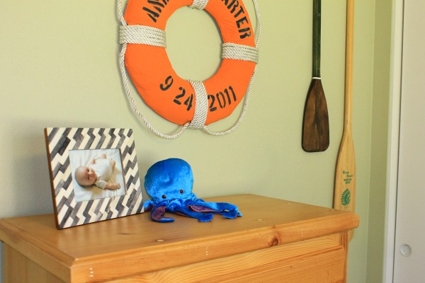 Cute, bright boy's room, nautical theme! #nautical #boys_room #life_preserver