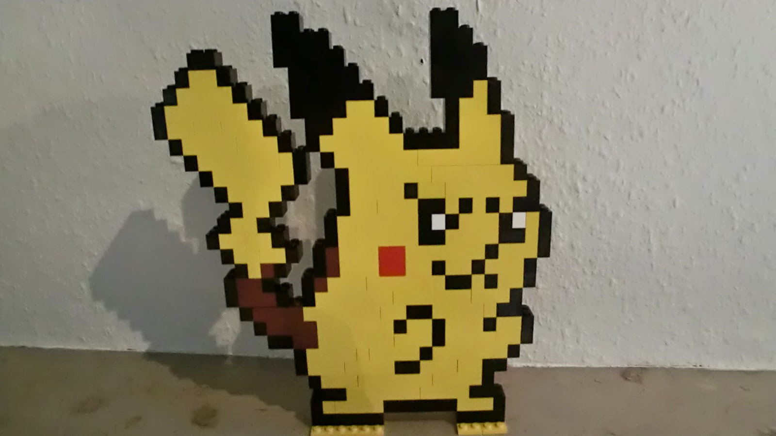 nerdy crafts pokemon pikachu lego figur. Black Bedroom Furniture Sets. Home Design Ideas