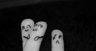 Llevo mucho tiempo llorando sólo porque tú no estás.