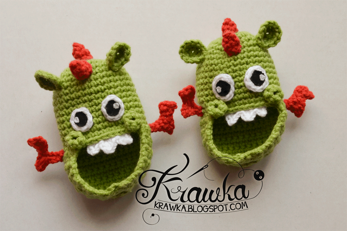 Buciki dziecięce, niemowlęce na szydełku amigurumi w kształcie zielonych smoków wawelskich. Amigurumi baby dragon booties crochet