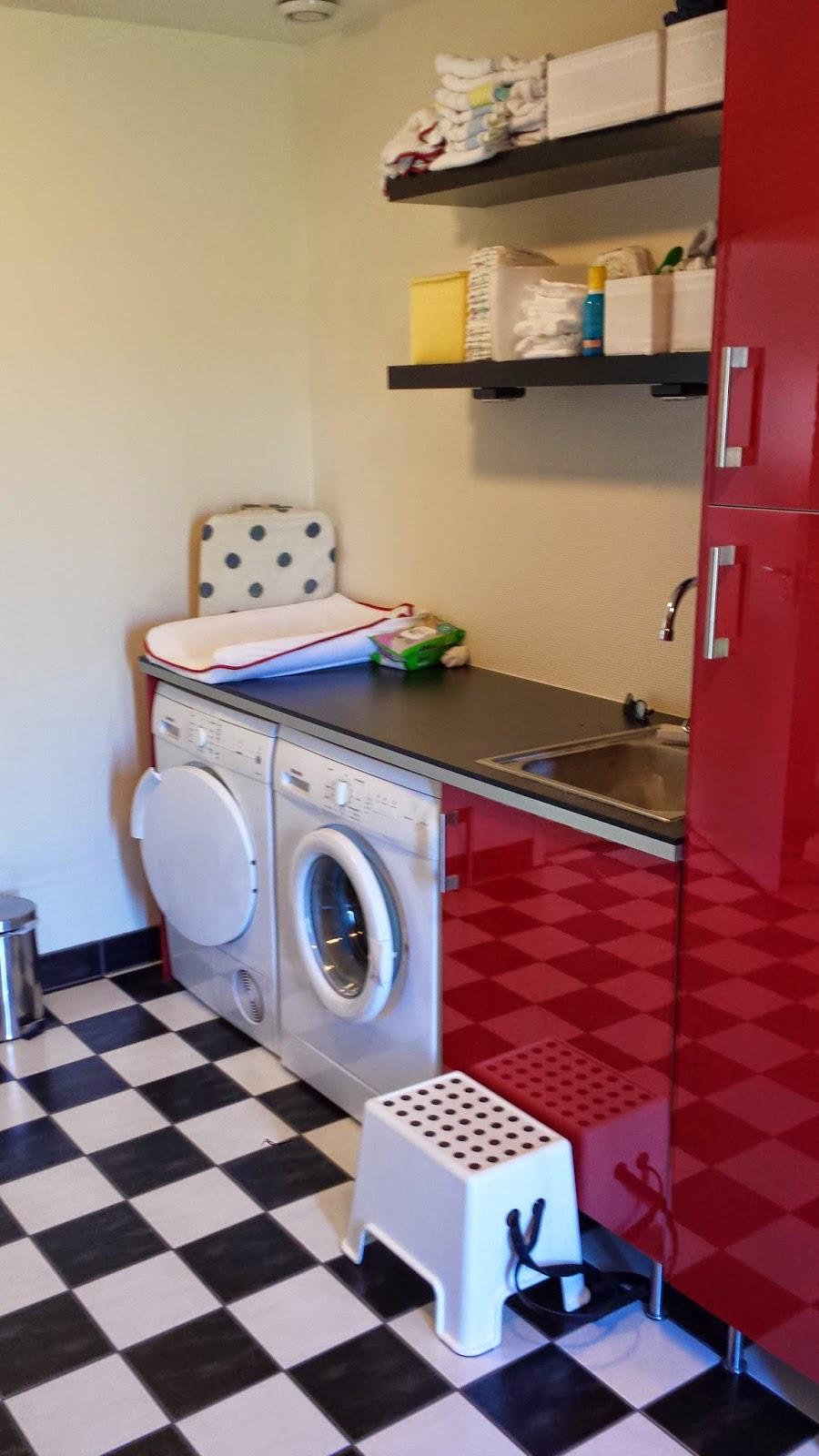 MaddeOchKrillSkaffarEttHus: Tvättstuga / badrum / gästrum på ...