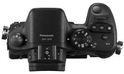 Fotografia della Panasonic GH3 vista dall'alto