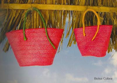 bolsa de palha-bolsa de praia-artesanato de palha de piaçava-artesanato da Bahia-trança de piaçava-artesanato indígena-Bolsa 2