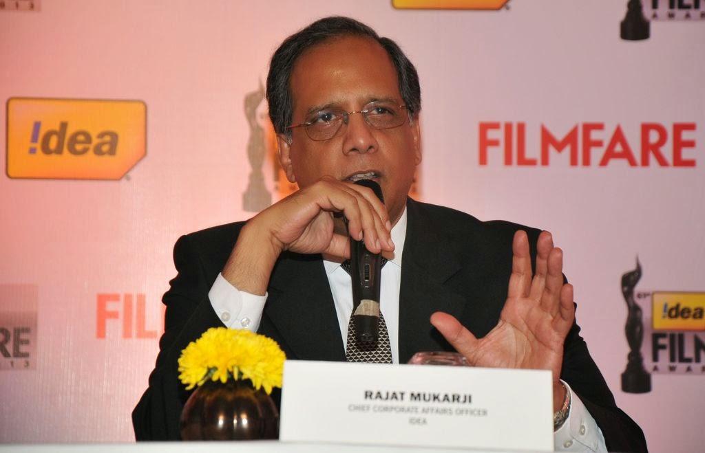 Dhanush at Idea film fare awards-HQ-Photo-13