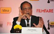 Dhanush at Idea film fare awards-thumbnail-13