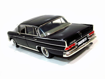 Mercedes-Benz 300 SE Automatic W112/3 '61 - Revell