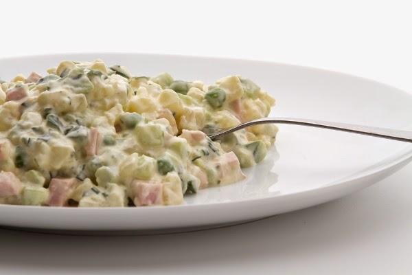 طريقة تحضير سلطة البسلة والبطاطس , سلطة دايت Peas and potato salad