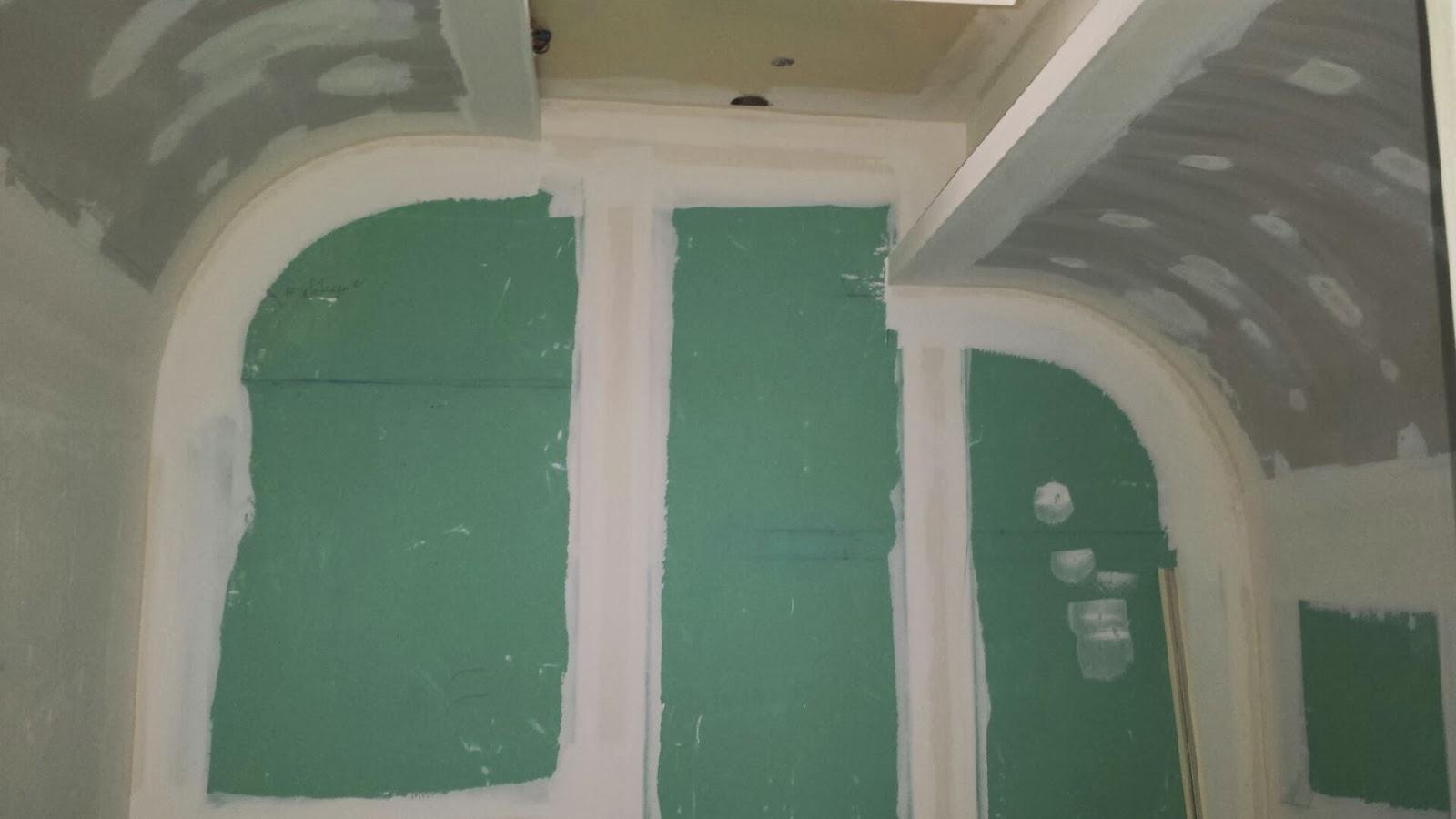 Lcch plafond angle arrondi pour salle de bain disign for Moulure plafond salle de bain