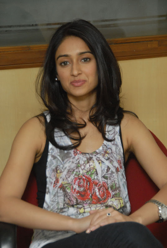 Ileana Latest Cute Pictures glamour images