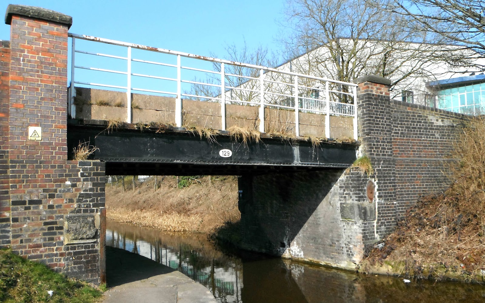 Bridge 129 (Brownhills) on the Trent & Mersey Canal