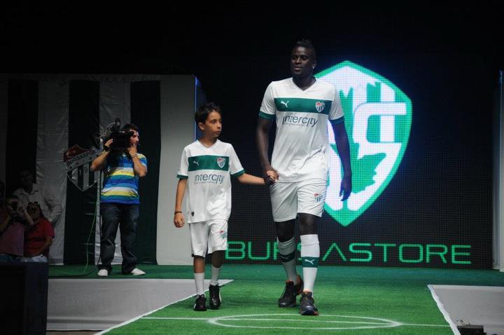 2012   2013 Sezonu Bursaspor Beyaz Forma