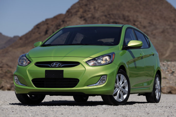 2012 Hyundai Accent Green Veloster