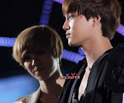 Sorry Luhan, Kai decided to cockblock in all the pics (luhan )