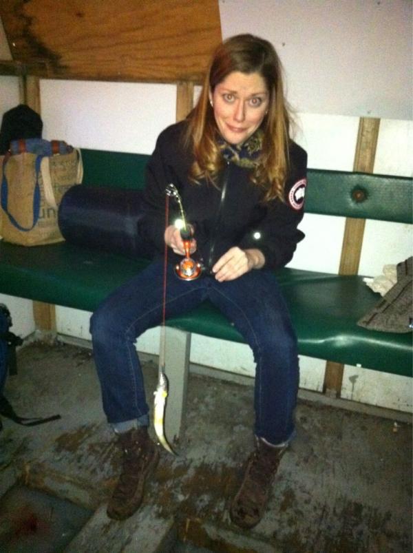 Ice fishing girls - photo#8