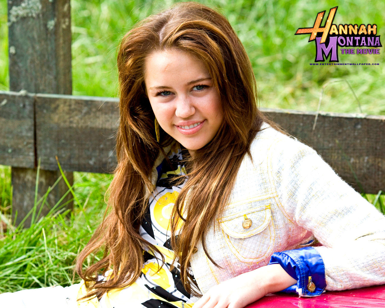 http://4.bp.blogspot.com/-NlRje4TwC9g/UDTfo9TAx5I/AAAAAAAAW4Y/fipiyfWtXXM/s1600/hannah_montana_the_movie08.jpg