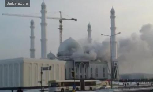 Masjid Hazrat Sultan Kazakhstan Terbakar