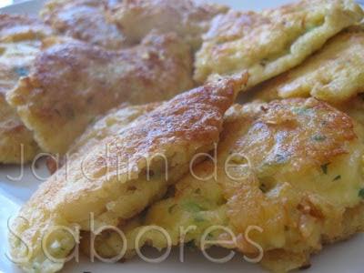 Iscas (Pataniscas) de Bacalhau com Arroz de Feijão