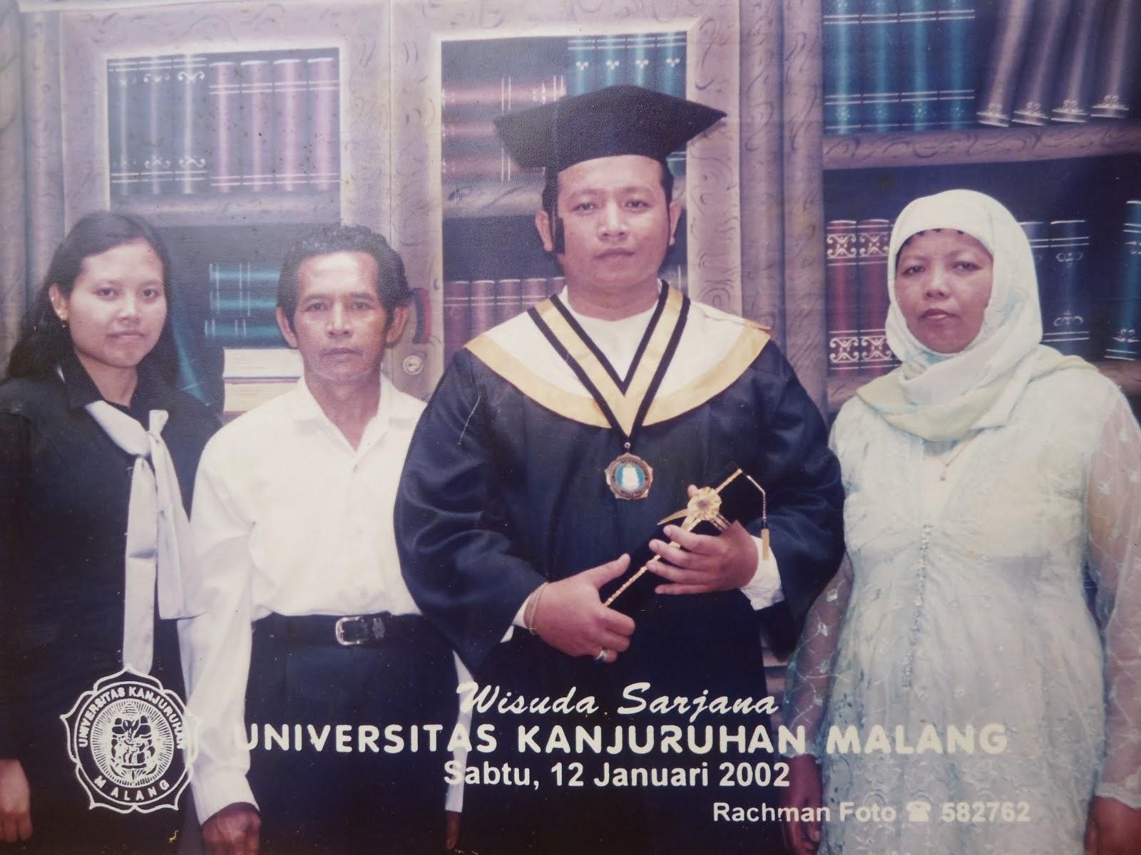 Wisuda Sarjana Strata satu Univ. Kanjuruhan Malang