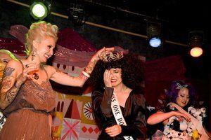 "Kontes Pemilihan ""Miss"" Terunik di Dunia: Miss Hooker"