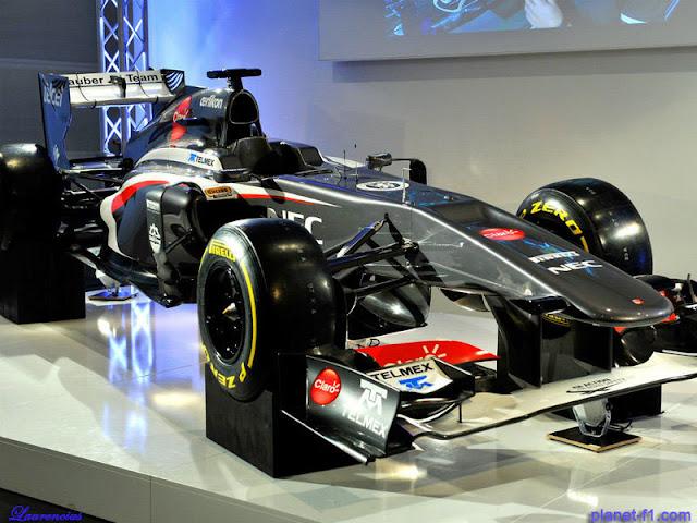 F1-Sauber-C32-launch-2013_3