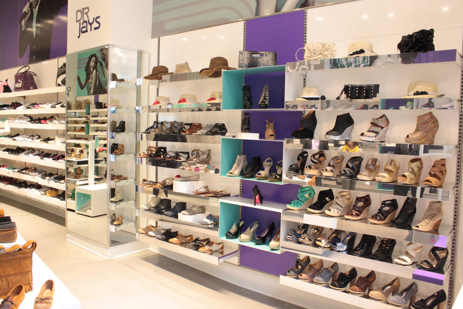 Shoes: shoe stores