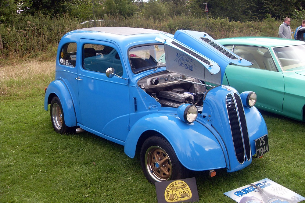 You can\'t tour on a single!: Car show