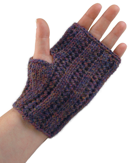 Knit Arm Warmer Pattern : Miss Julias Patterns: More Free Patterns for Wristlets & Arm Warmers...