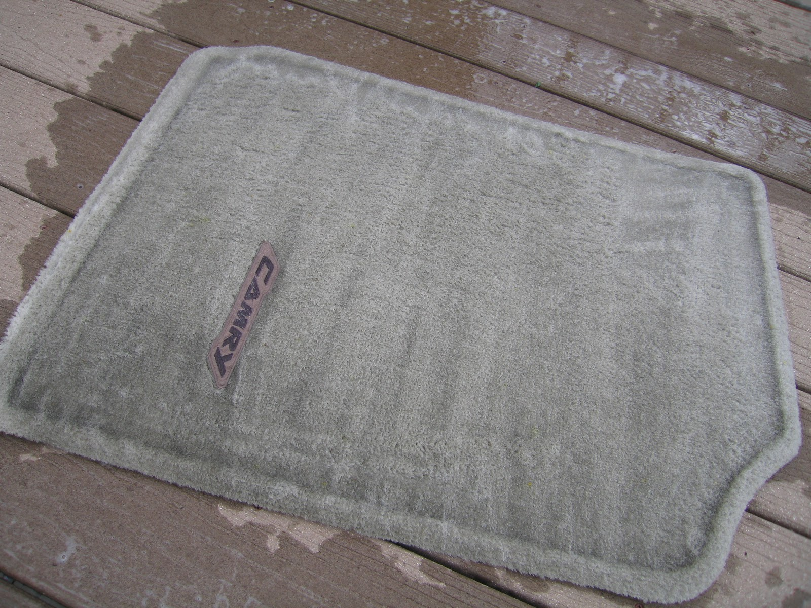 Candidly Kate ˚tutorial˚ Cheap Diy Car Mat Cleaning