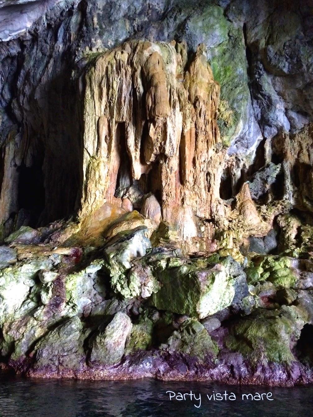 Cave_Pandora_Amalfi_Coast_sea_Italy_stalactites_stalagmites_columns