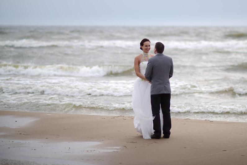 vestuvių nuotraukos prie jūros