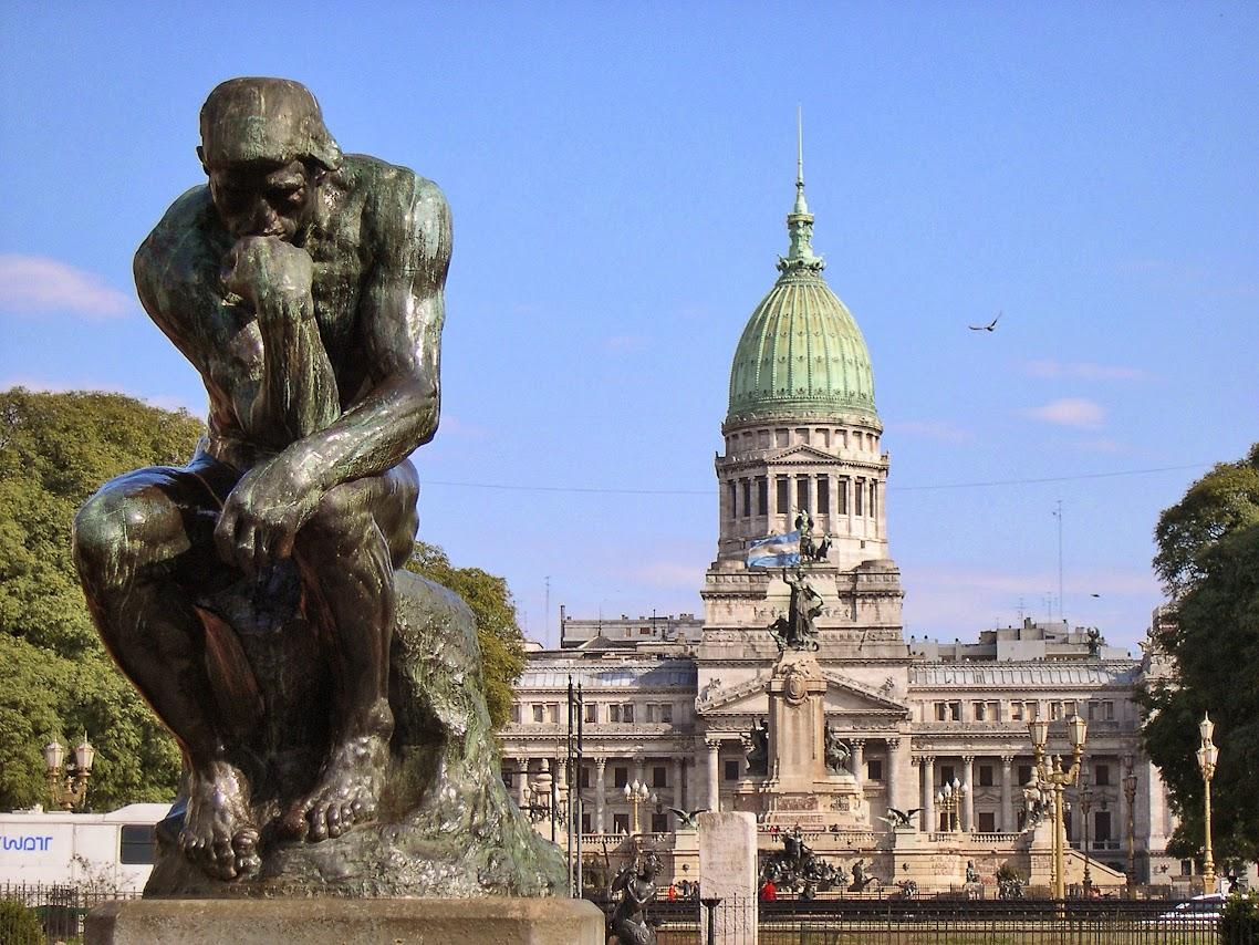 http://4.bp.blogspot.com/-NmzazNc7Ogg/UyYcoAeRR4I/AAAAAAAAHoE/Ex1hHV-4vRk/s1138/Buenos_Aires-Plaza_Congreso-Pensador_de_Rodin.jpg