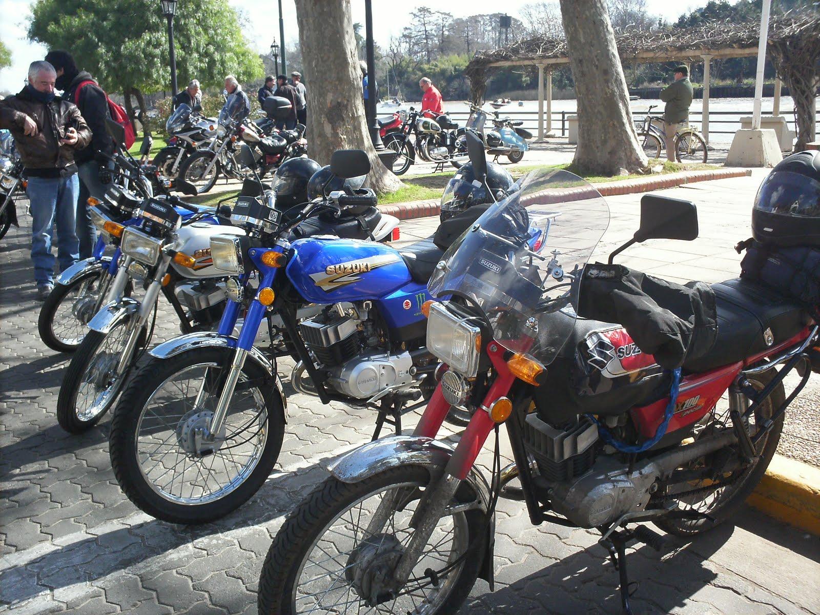 Fotos de motos ax 100 79