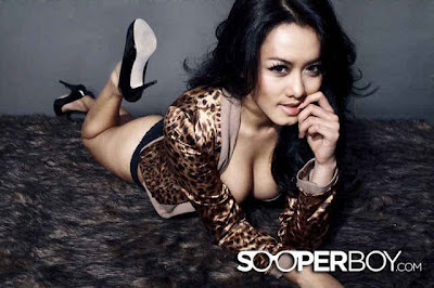 Foto Hot Model Seksi Devi Liu