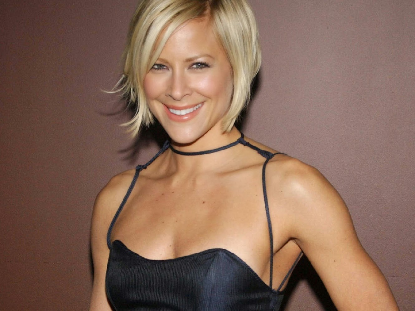 Hollywood Actress Wallpaper Brittany Daniel Hd Wallpapers