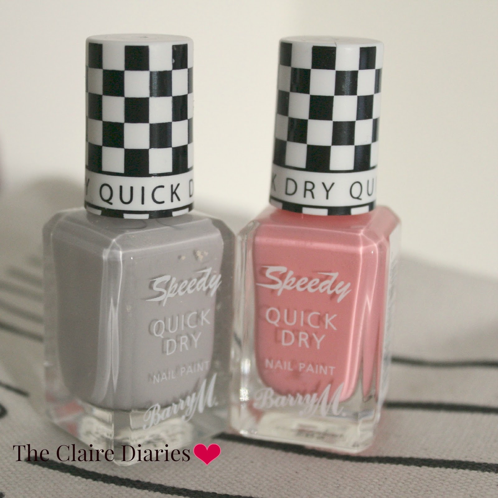 UK lifestyle blogger reviewing barry m speed dry nail varnish