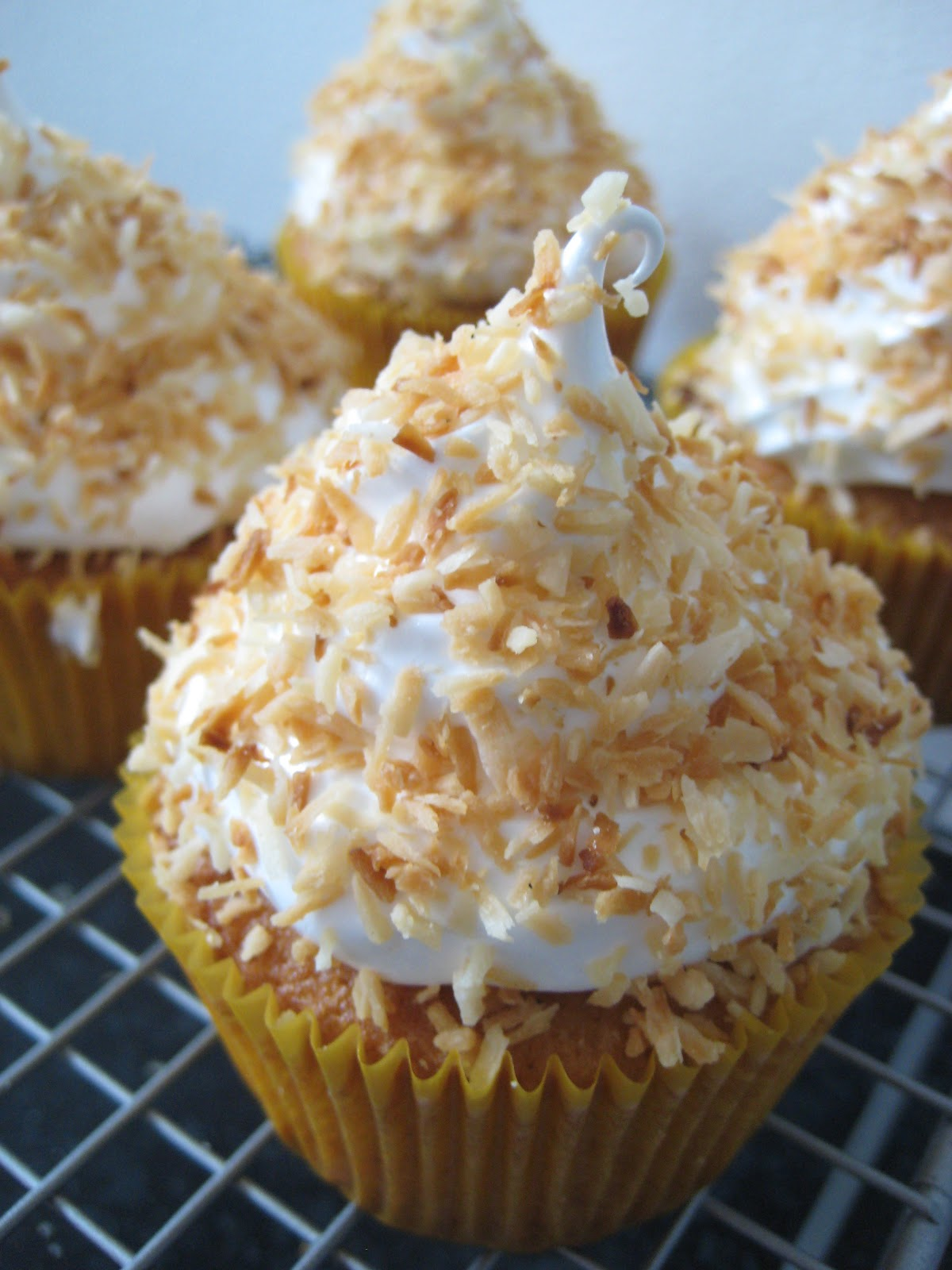 ... , lactose free) cake!: Vanilla coconut cupcakes - Cupcake book club