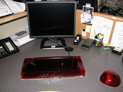 jellykeyboardmouseprank20 Funny Pictures: 30 Great Office Pranks.