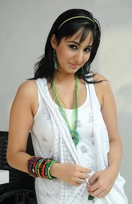 Sakshi Gulati Hot pics