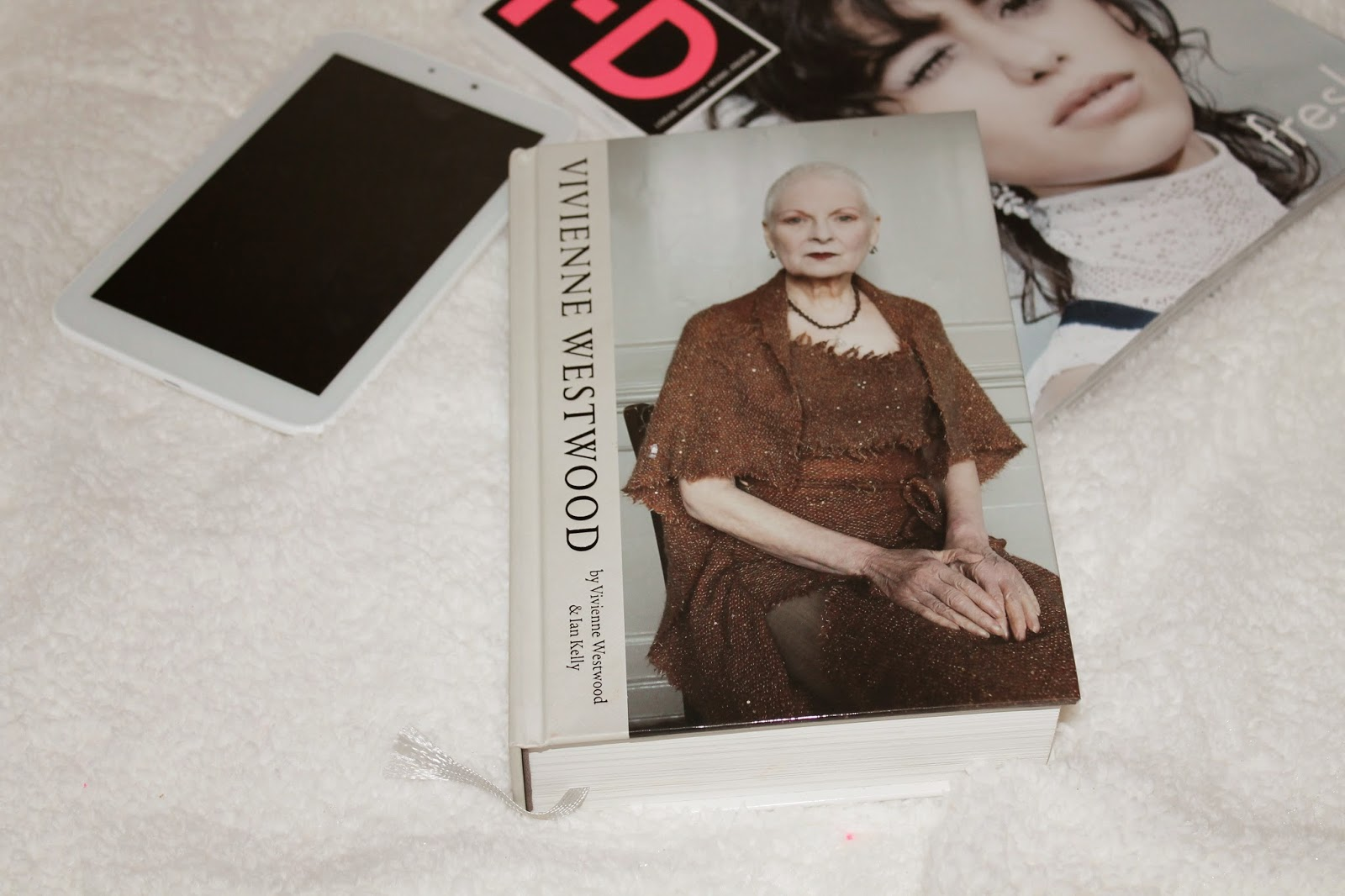 Review / Vivienne Westwood Book