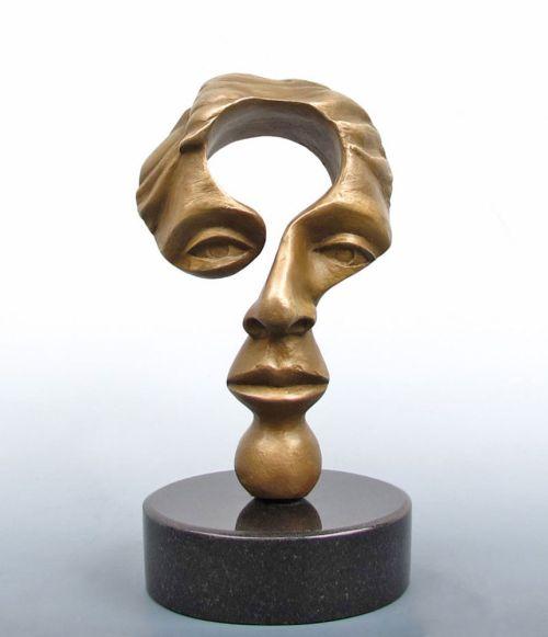 Michael Alfano esculturas de corpos rostos surreais bronze cobre Mente inquisidora