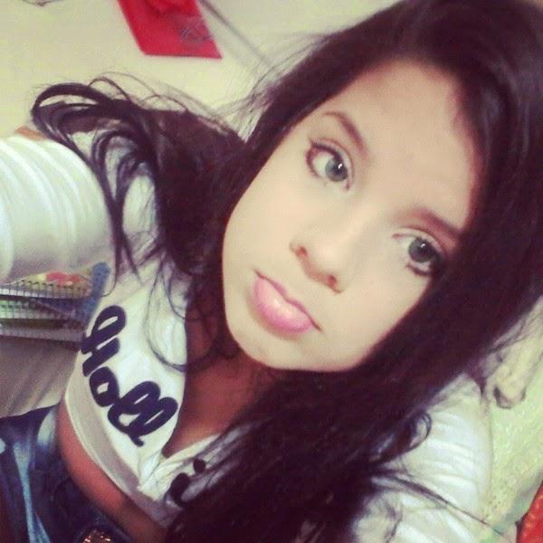 Fotos Fakes De Meninas Morenas