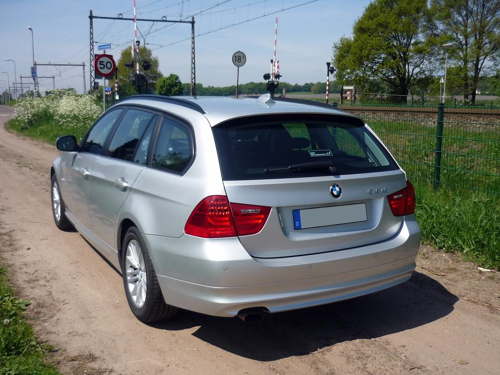 guitigefilmpjes car review bmw 318d touring my2010. Black Bedroom Furniture Sets. Home Design Ideas