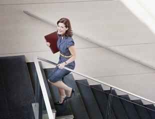 Bí quyết giữ eo thon cho phụ nữ văn phòng