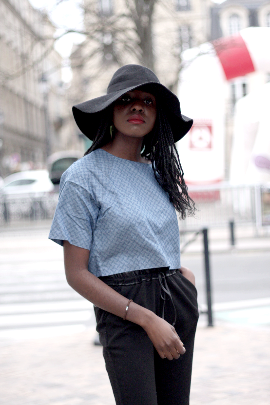 blog mode, blogueuse mode, blogueuse bordelaise, blogueuse bordelaise noire, veste noir manches courtes sheinside, pochette asos, pull only, pantalon only noir,  chaussures zara, bottines, bordeaux, ootd, olivia, tenue du jour, olivia blog mode, the daily women, boohoo, chaussures nelly
